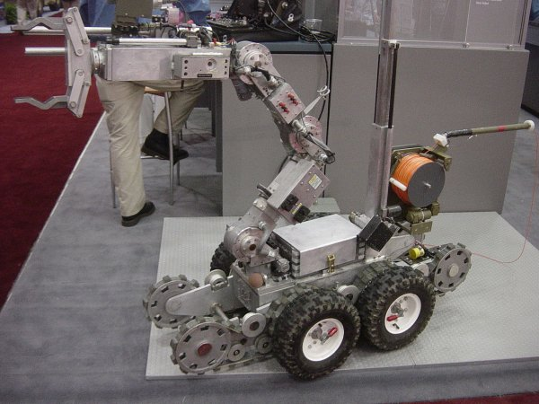 Robot ANDROS F6A