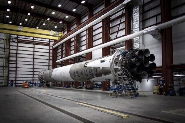 Falcon 9 po lądowaniu