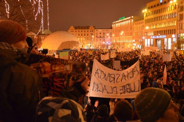 Protesty przeciw ACTA na placu Wolności w Poznaniu
