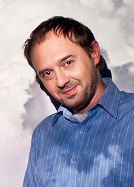 Maciej Kuźniar, Oktawave