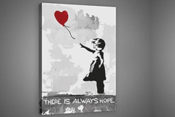 Prezent na Dzień Kobiet. Kopia obrazu Banksy'ego