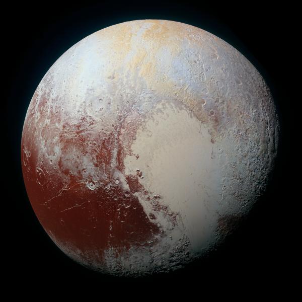 Pluton w kolorze