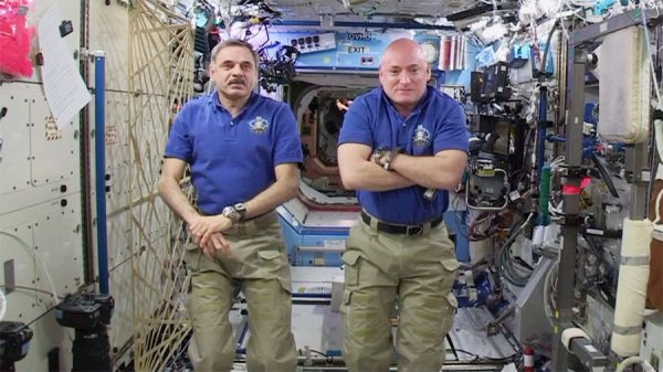 Michaił Konijenko i Scott Kelly
