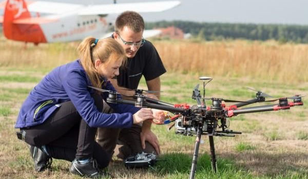 Dzień Drona. Prezent - kurs operatorski w Warszawie