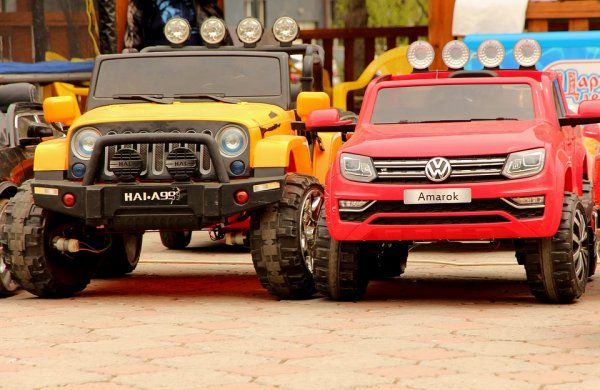 pojazdy akumulatorowe dla dzieci