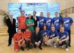 Przedstawiciele drużyn uczestniczących w URC z premierem Donaldem Tuskiem