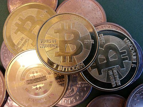 Wartość Bitcoinów wciąż rośnie, fot. Zach Copley, CC BY-SA 2.0