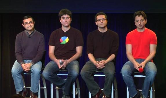 Przedstawiciele Google czekają na pytania uczestników konferencji