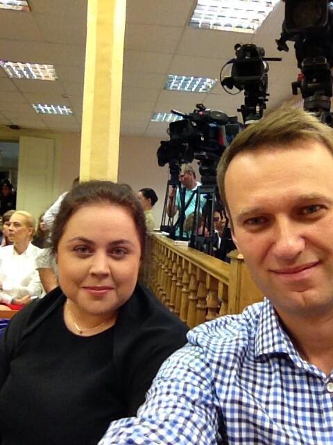 Aleksiej Nawalny na sali sądowej
